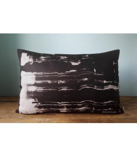 Black and white cushion, Kaaren (big2)